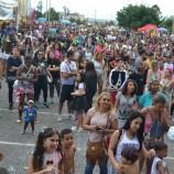 Blocos  Asé Dudu e Mamãe Taguá atraem milhares de pessoas para o carnaval de rua em Taguatinga